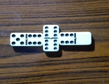 قوانين لعبة الورق 709887